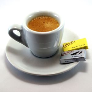 Espresso_and_napolitains